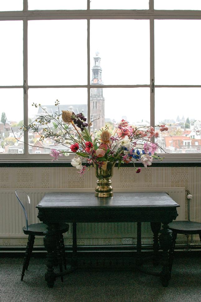 Design In Amsterdam Moooi Showroom Marcel Wanders Studio