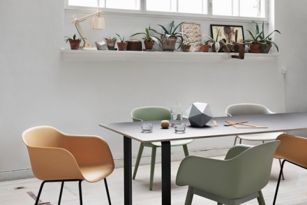 Fiber-chairs_70-70-table_mid