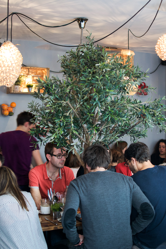 http://le-polyedre.com/2016/01/24/mokonuts-bakery-cafe-restaurant-paris/