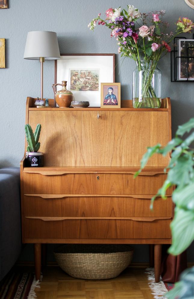 home office, vintage, boho, bohemian, oriental, mid-century, bureau, teak